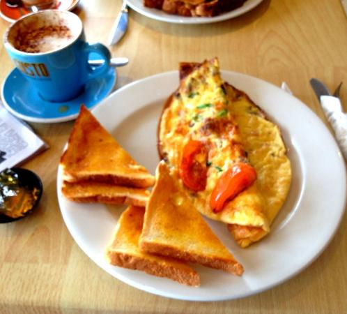 Sussex Inlet, Australia: Here it is the Spanish Cheese Omelet