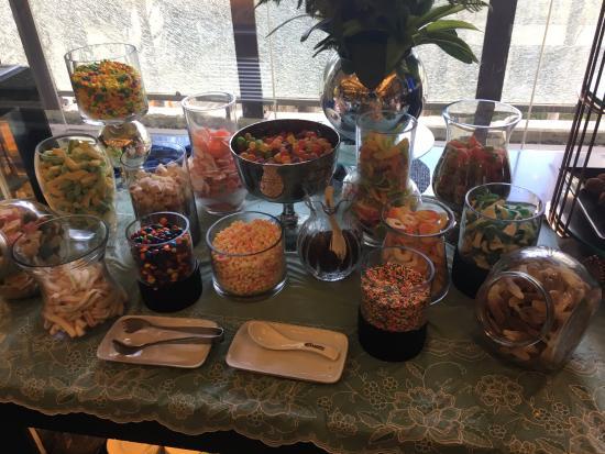 Yakimix: Candy Bar