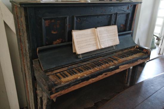 Museum Albert Schweitzer : Piano du Dr Schweitzer