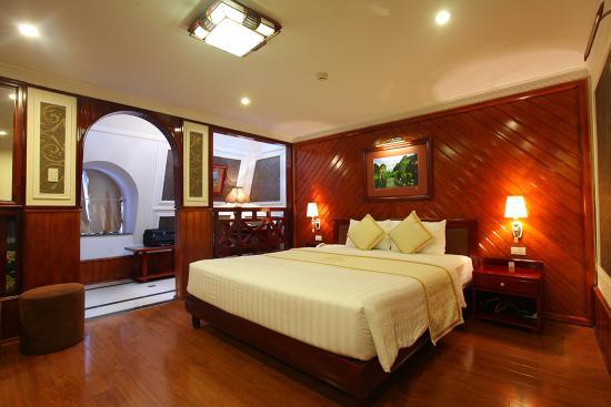 Ninh Binh Legend Hotel: Suite Room