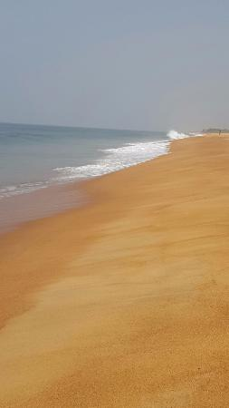 Ben Town, Liberia: Long stretches of walking on this beautiful and clean beach.