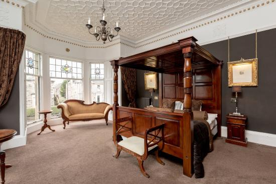 23 Mayfield: Grand Jacobean
