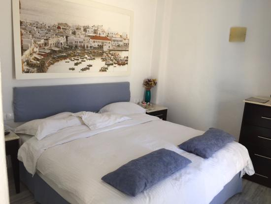 Great Madalena Hotel: 2 Singles Bed Combined As A Big Double Bed