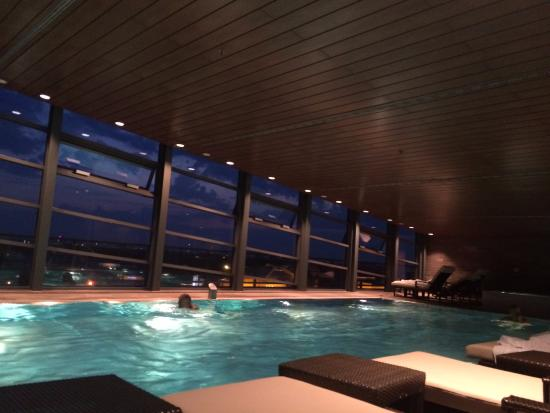 Swimming Pool - Bild von Grand Hyatt Berlin - TripAdvisor