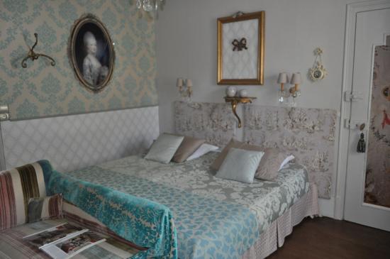 Le Clos St Paul: chambre Marie-antoinette