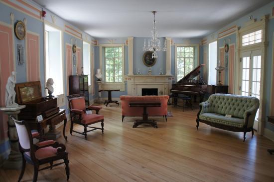 Huntsville, AL: Living Room