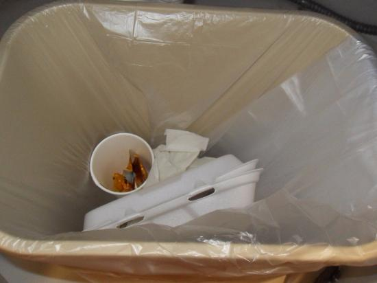 Extended Stay America - Fort Lauderdale - Deerfield Beach : Trash left in the room by former guest room #110