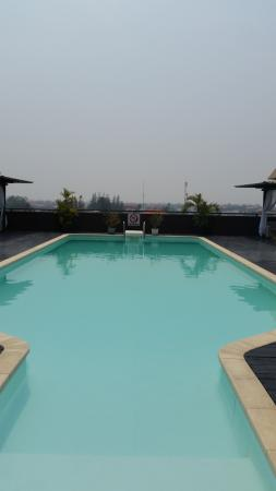 City River Hotel: Rooftop Pool