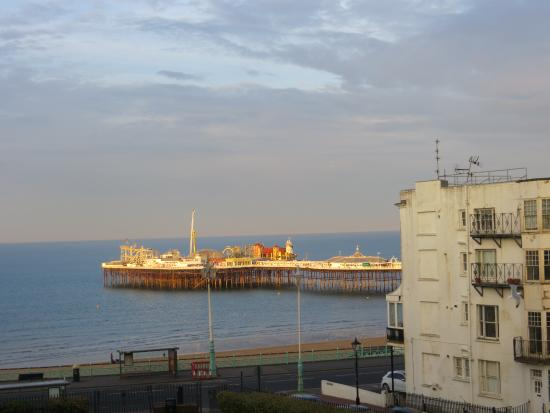 Sea Spray Boutique Hotel: View of Brighton Pier @ Sunrise from the Room
