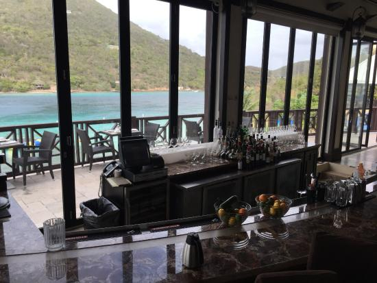 Scrub Island Resort Spa Marina Autograph Collection Caravela Bar