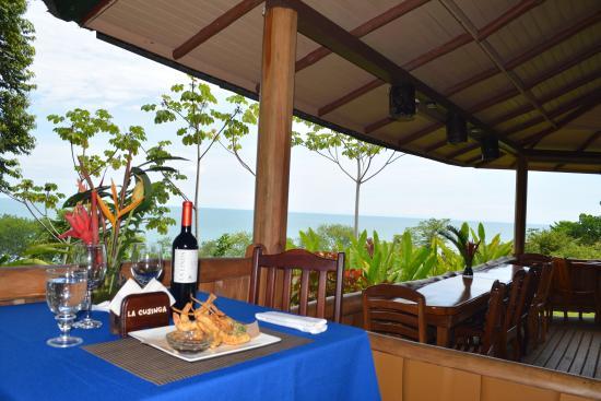 Aracari Restaurant