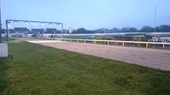 ‪Kingdom Greyhound Stadium‬