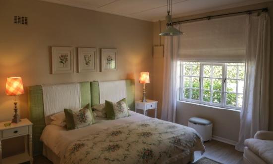 Kenilworth, Sudáfrica: Cottage bedroom - sleeps 2