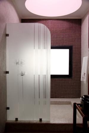 Douche cabine de massage photo de kinespa casablanca casablanca tripad - Douche massage cabine ...