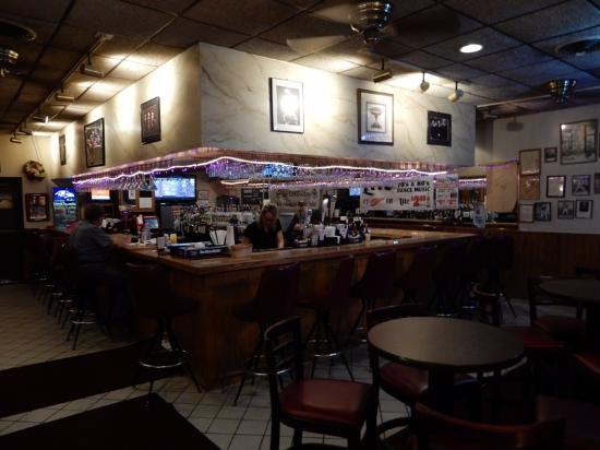 Edgewood, MD: The bar is an inviting place, though not busy Sunday evening.