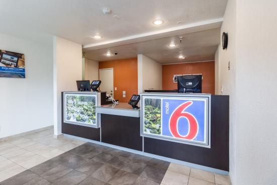 Motel 6 Seattle North - Kirkland: Lobby