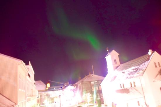 Skolabru Guesthouse: Northern lights from the windows