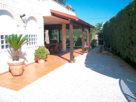 Esterno Villa Con Ingresso Carraio Foto Di B B Offside Bisceglie