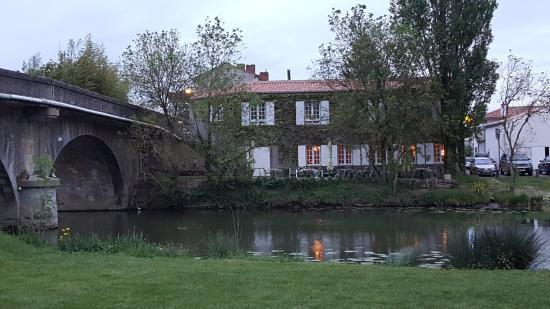 Velluire, Prancis: Auberge de la Riviere