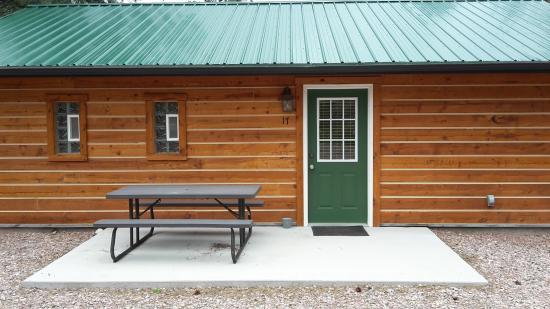 Holy Smoke Resort: Cabin 17