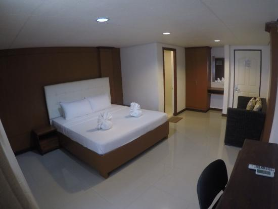 Pictures of Hemingway Hotel - Panay Island Photos