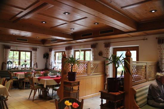 Waldwirtschaft am Mittersee: Lovely interior. A Bavarian hug!