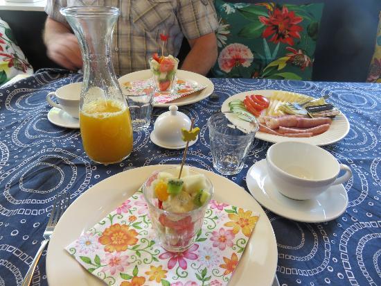 Someren-Heide, Países Bajos: heerlijk ontbijt met vers sap