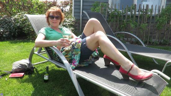 Someren-Heide, Países Bajos: met een glas frisse en erg lekkere wijn uitrusten :-D