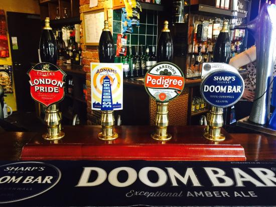 River, UK: Come down and try our quality ales, great lagers and amazing wines.