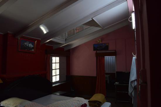 KMVN Tourist Rest House Snowview : Room No 001
