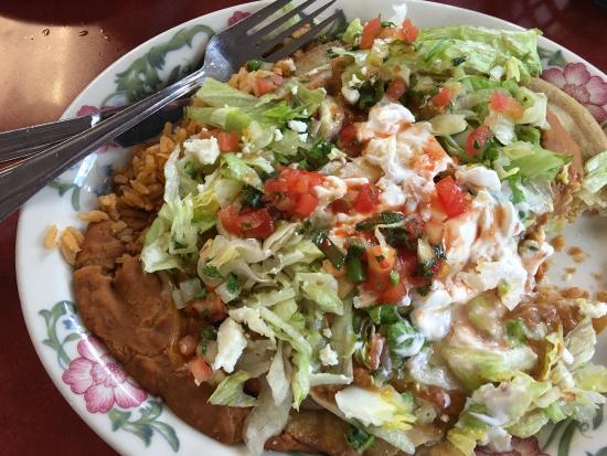 Aztecas Family Mexican Restaurant: photo0.jpg