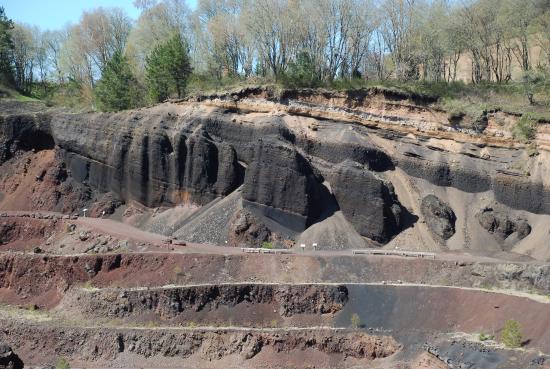 Volcan De Lemptegy Paroi La Carriere
