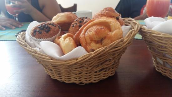 Galle Heritage Villa by Jetwing: Some of the delicious goodies that were served for breakfast