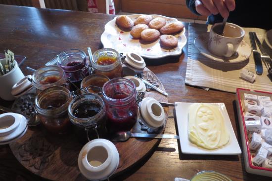La Ferme d'Emilienne : Desayuno delicioso