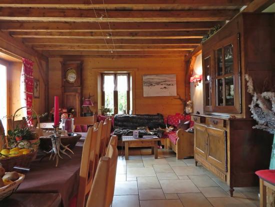 La Ferme d'Emilienne : comedor y sala recreativa