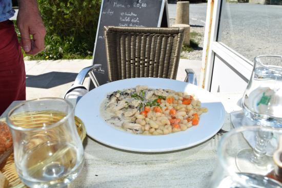 Le Cafe du Phare : fricassée de volaille aux mojettes