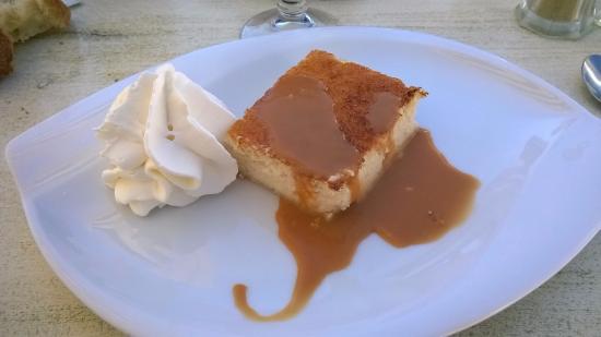 Le Cafe du Phare : flan de coco sauce caramel fleur de sel et chantilly maison