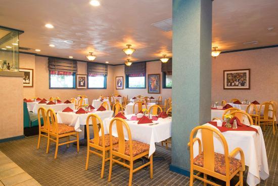 Red Lion Hotel Oakland International Airport: Oakland Hotel Restaurant