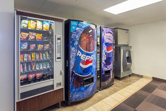Motel 6 Spokane East: Vending