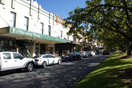 Leura Mall: View of the Main Street