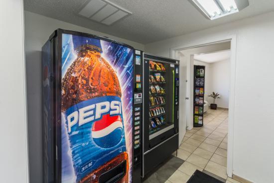 Motel 6 Philadelphia Airport - Essington: Vending