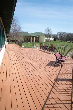 Belle Plaine, MN: Large Deck