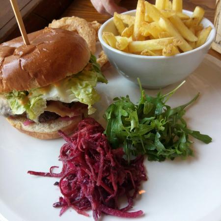 Harrington, UK: The Tolly burger 👌👌