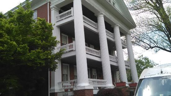The Martha Washington Inn and Spa: IMG_20160507_125110_large.jpg