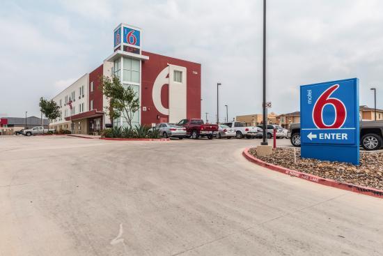 Motel 6 Laredo Airport