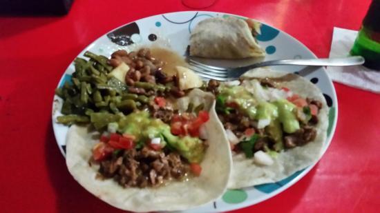 El Charco : Arrachera Queso Tacos