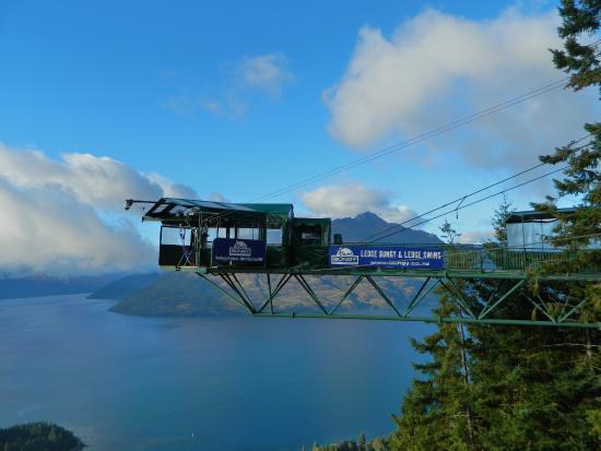 Queenstown, New Zealand: Bungy & Swing Ledge above Lake Wakatipu