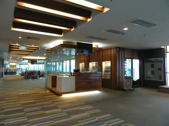 Queenstown, New Zealand: Information & bookings desk