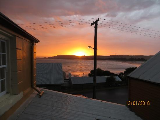 BayView Guesthouse: Gorgeous sunset