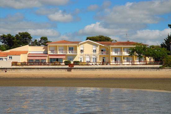 Photo of Hotel le Grand Chalet Ronce Les Baines Ronce-les-Bains
